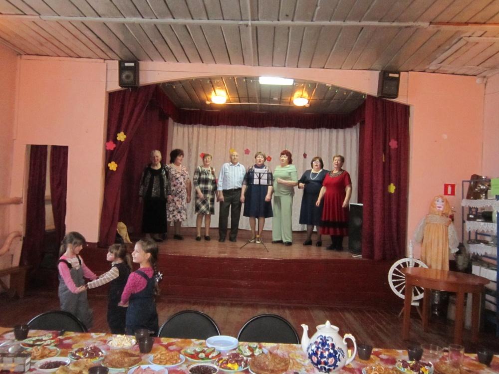 1 марта  в сельском доме культуры села Давыдовка прошло театрализованное представление «Эх, Масленица!».