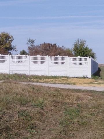 В селе Верхнее Турово закончено устройство нового ограждения кладбища.