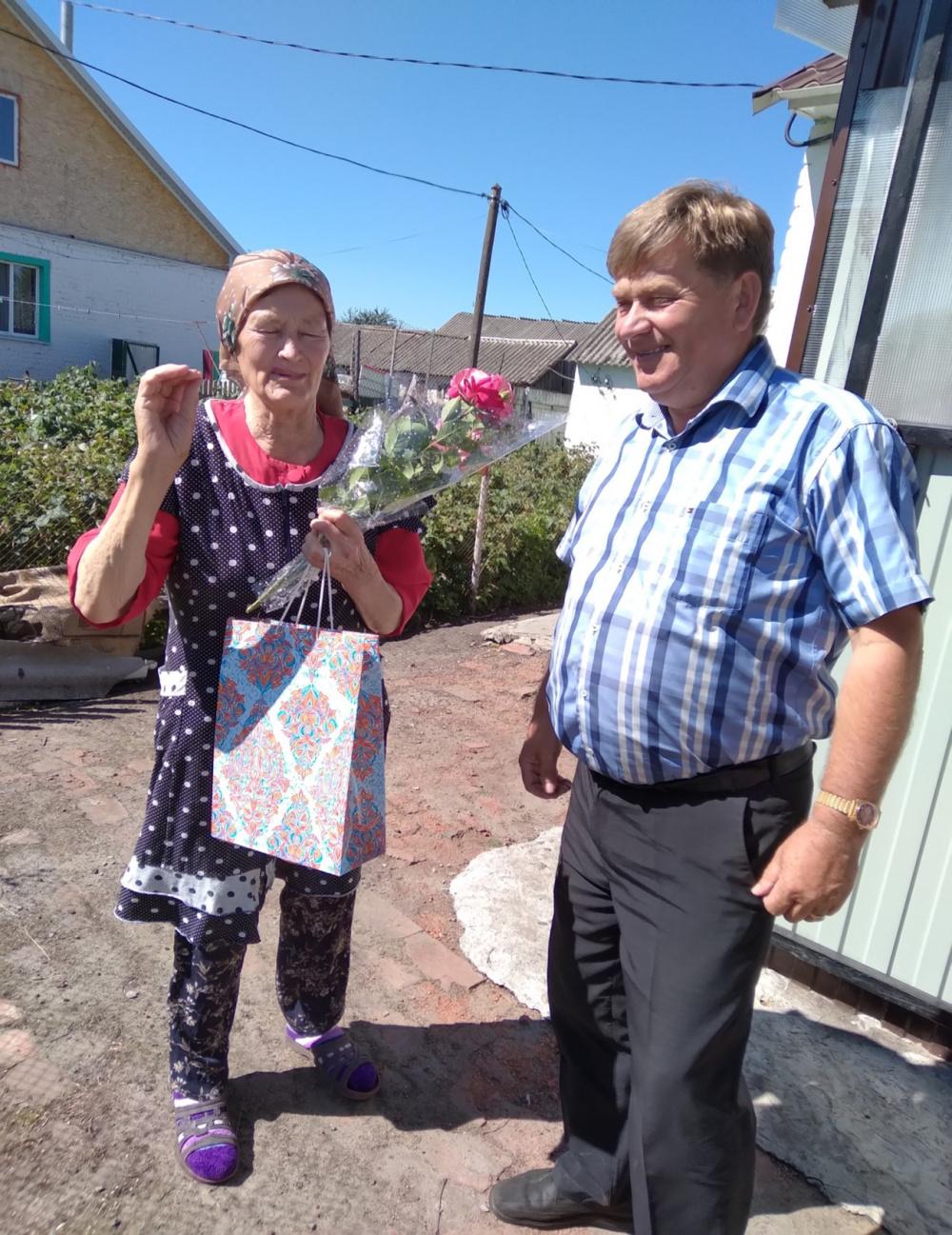 Жительницу  п. Верхняя Маза  Воробьеву Евдокию Семеновну поздравили с юбилеем