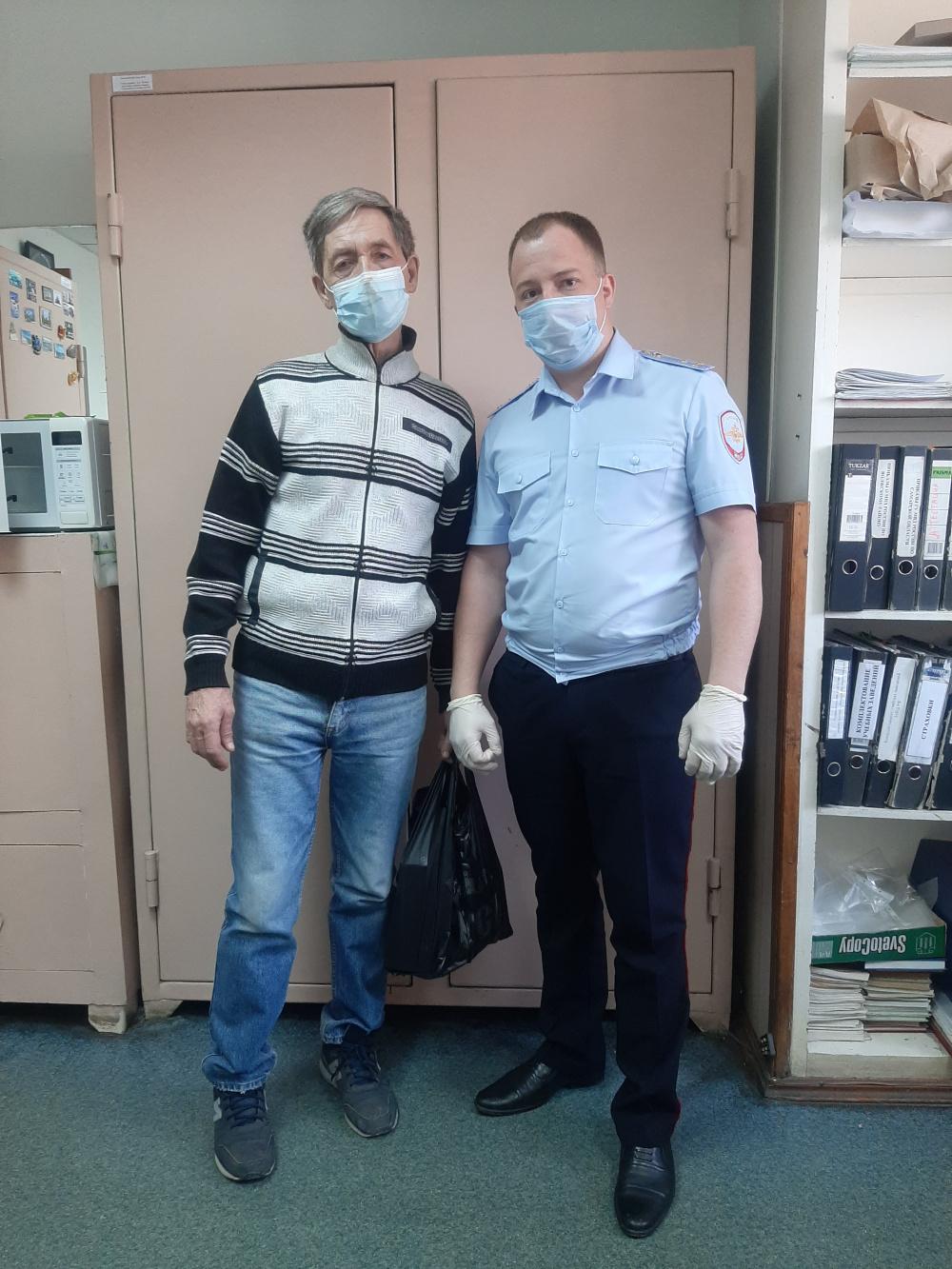 К Международному дню памяти о чернобыльской катастрофе полицейские Волжского района организовали встречу с ветераном-чернобыльцем