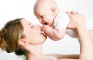 Молодым мамам, за рождение первого ребёнка, перечислят единовременную выплату в 60 тысяч рублей.