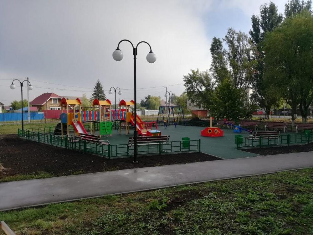 """На территории ДК """"Нива"""" установлена новая современная , безопасная детская площадка"""