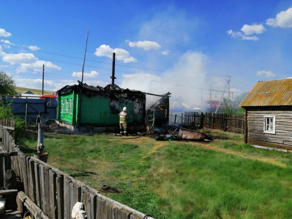 Пожар в поселке Нугайка
