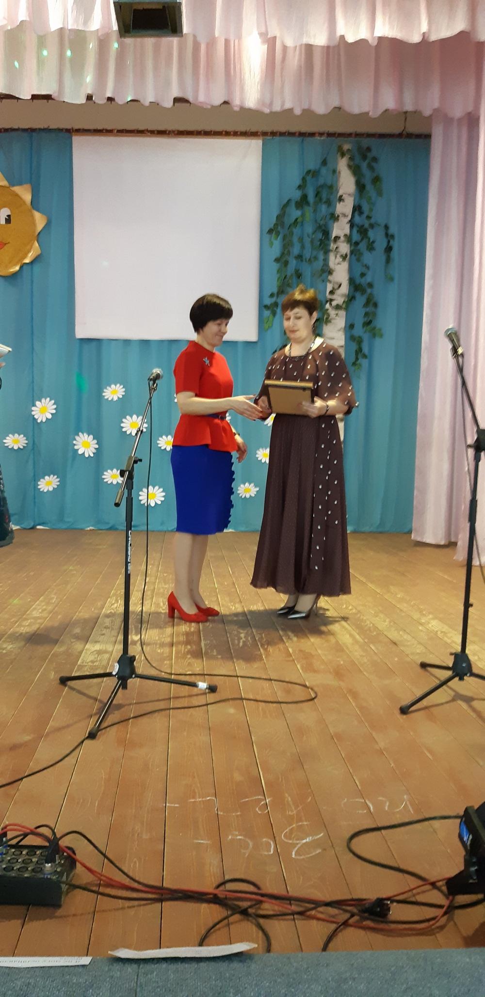 7 марта в Комсомольском СДК прошел праздничный концерт, посвященный Международному женскому дню 8 Марта.
