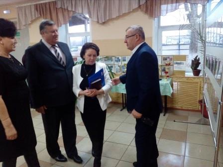 29 ноября на базе Верхнемамонского казачьего кадетского корпуса  состоялся межмуниципальный семинар   «Основные аспекты реализации программы «Точка роста»