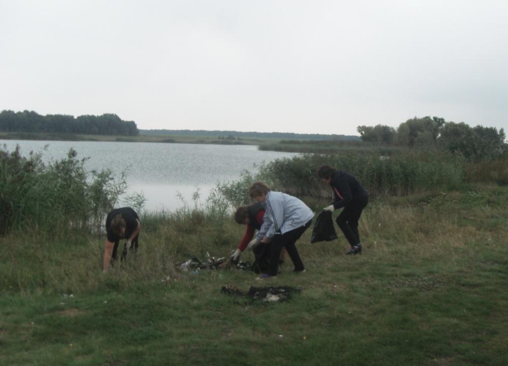 Акция по уборке от мусора  берегов водоемов «Вода России»