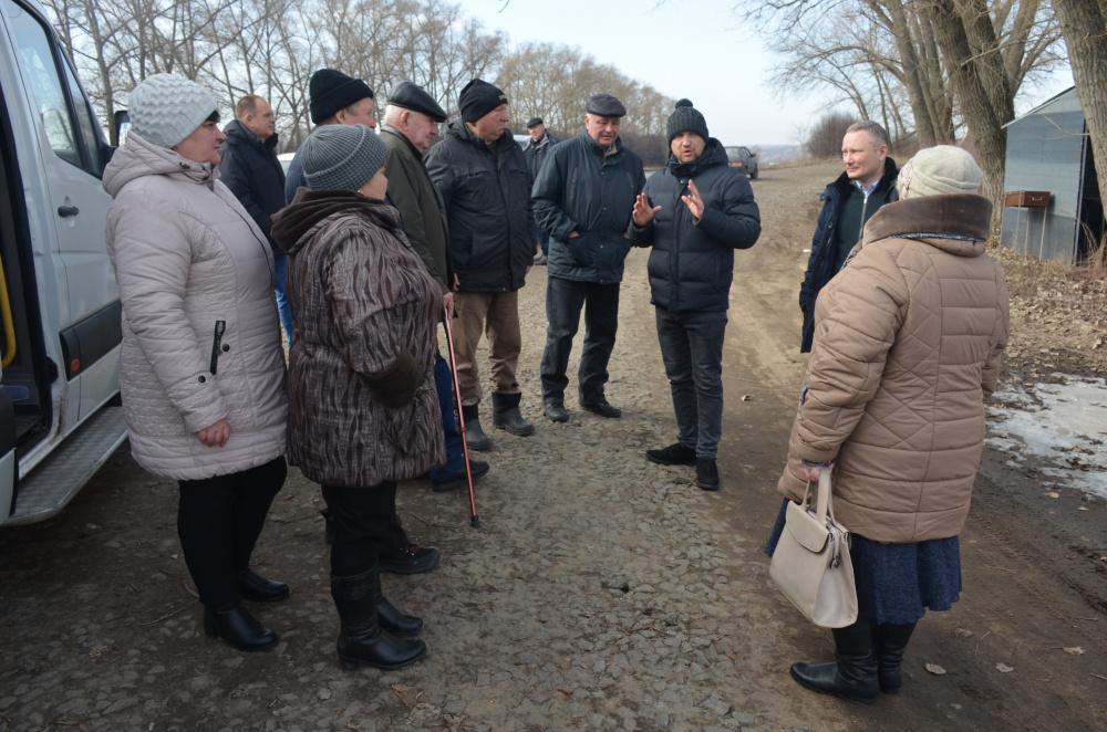 Жители с.Осетровка посетили производственные объекты  в Павловском районе