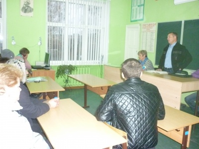 08/11/2018 встреча главы администрации муниципального образования Епифанское Лаврова В. А. с жителями д. Вишневая