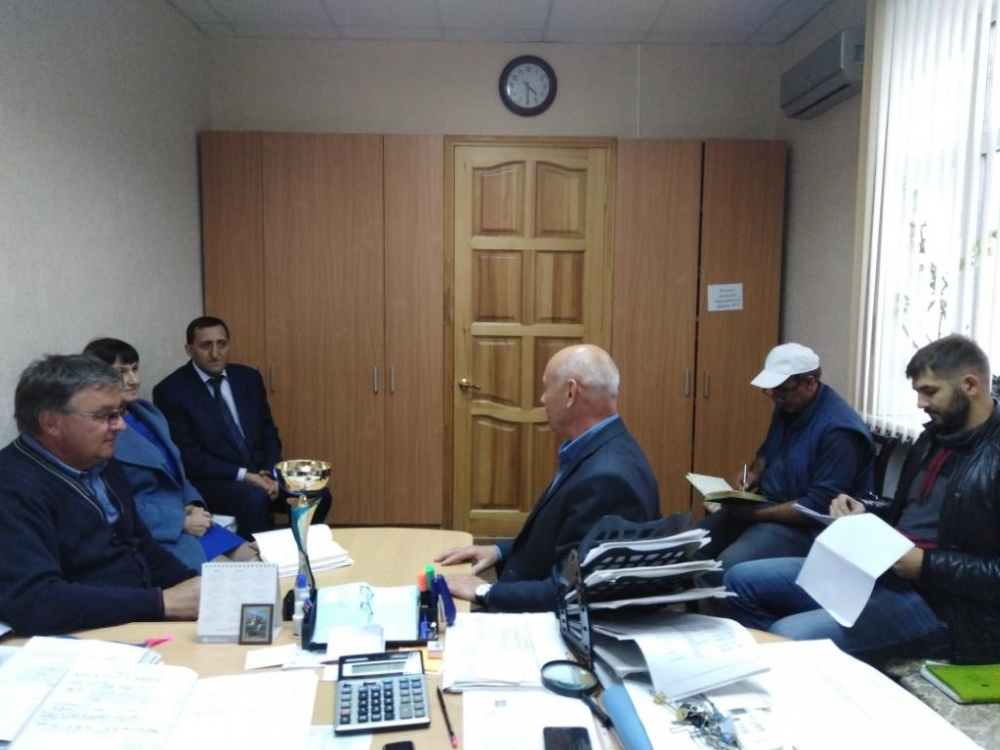 Провели совещание по реализации проекта благоустройства площади