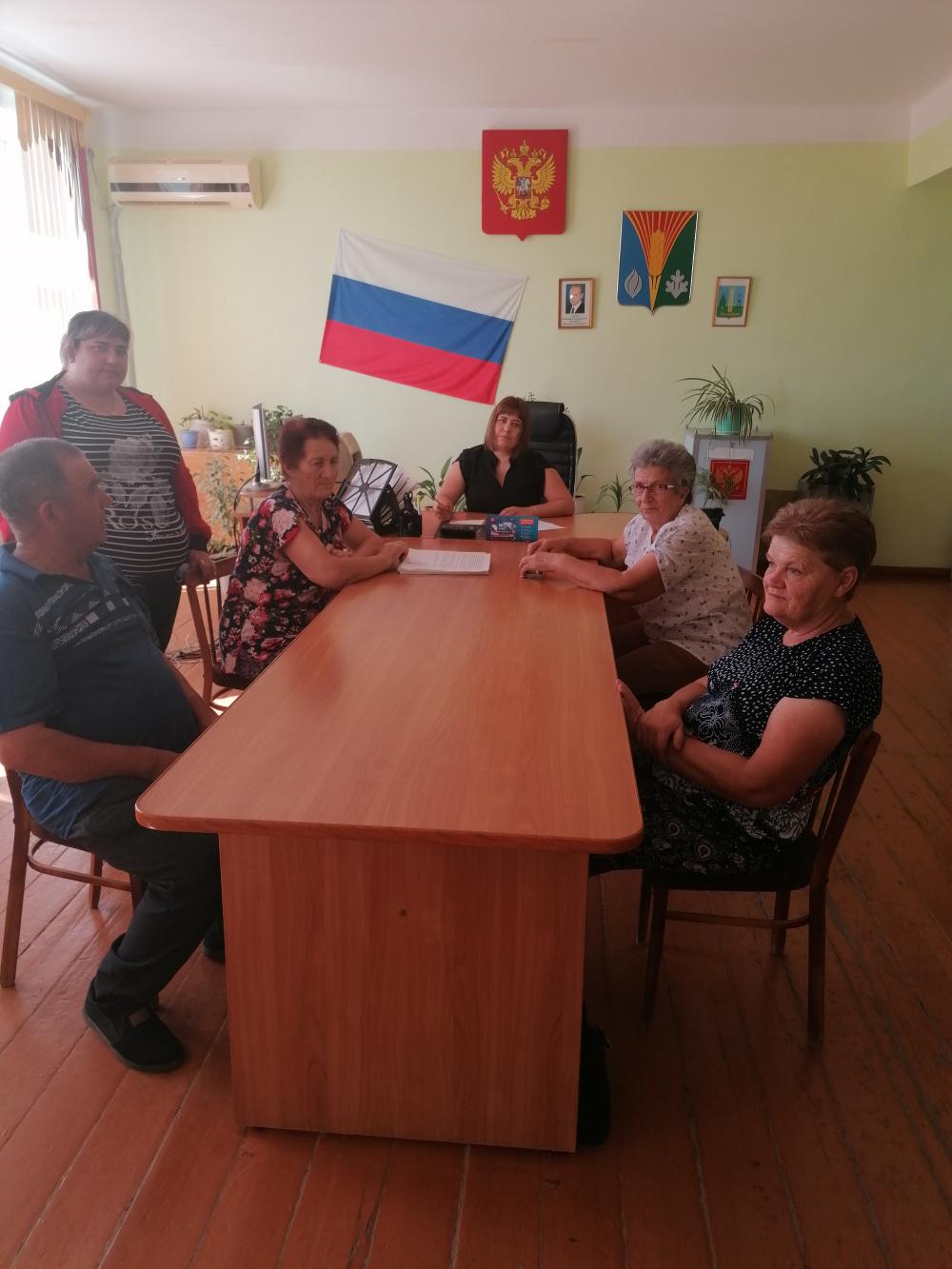 31 августа 2021г. в администрации Ромашкинского сельсовета прошло заседание сессии Совета депутатов