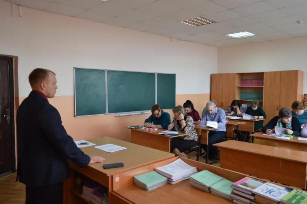Муниципальные служащие администрации Терновского района написали «Диктант Победы»