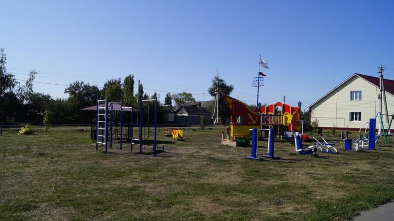В Курбатово оборудовали детский игровой комплекс