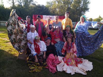 Ансамбль «Разгуляй» выступил с сольным концертом в Данильском сельском поселении Павловского района на дне села.