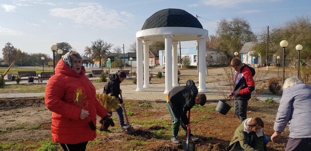 О проведении месячника по благоустройству и наведению порядка на территории Пыховского сельского поселения