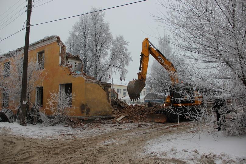 В «Единой России» предложили расселять из аварийного жилья в индивидуальные дома  В партии разработали комплекс мер, которые должны ускорить решение проблемы ветхого жилищного фонда в регионах