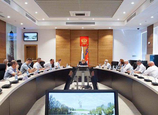 Парламентарии обсудили вопросы развития инфраструктуры в жилых комплексах Волгограда