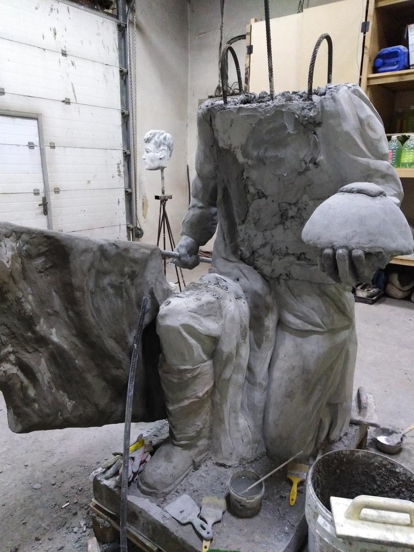 Процесс изготовления статуи солдата для памятника воинам ВОВ в с.Никольское