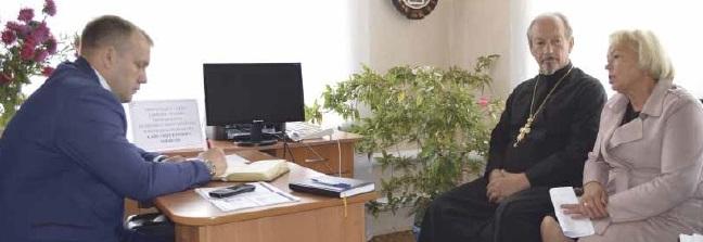 В  Алешках провел прием граждан   глава  администрации муниципального района Павел Чибисов