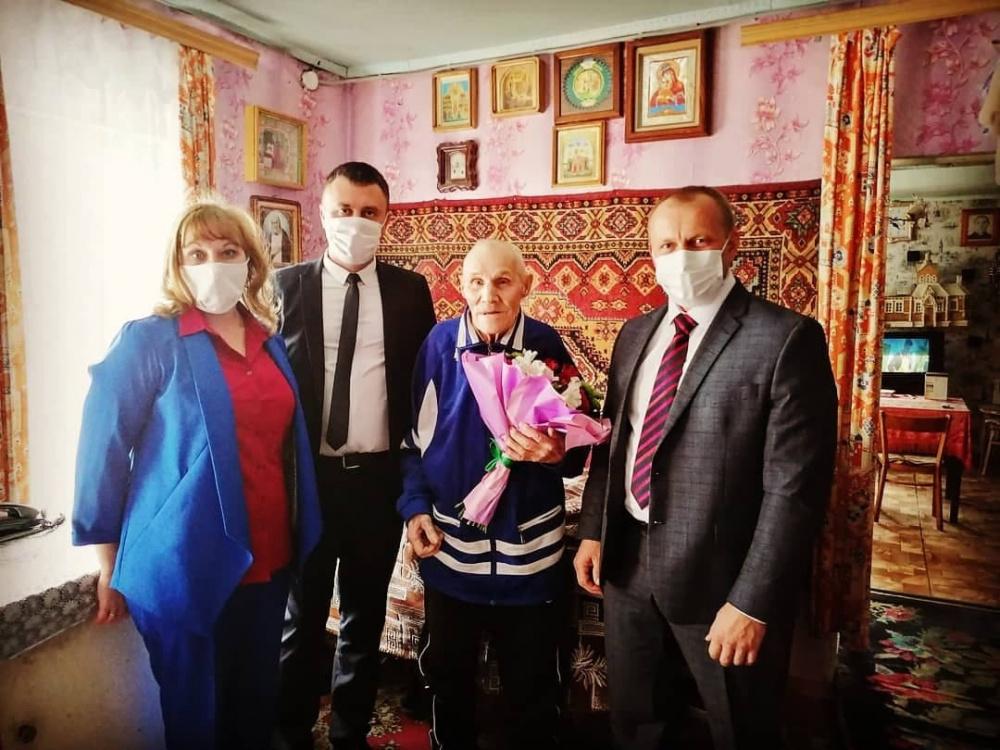 Ветерана войны Ивана Половинкина поздравили с 96-летием