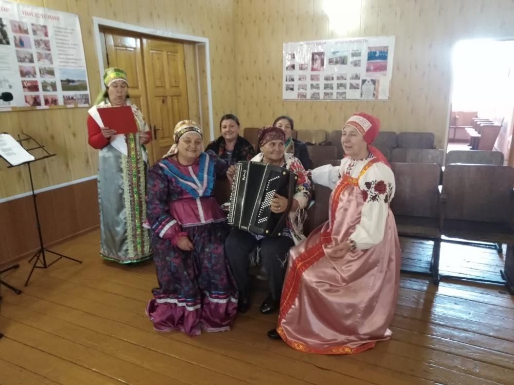 В Никольском СДК провели фольклорный праздник «Частушки-веселушки»