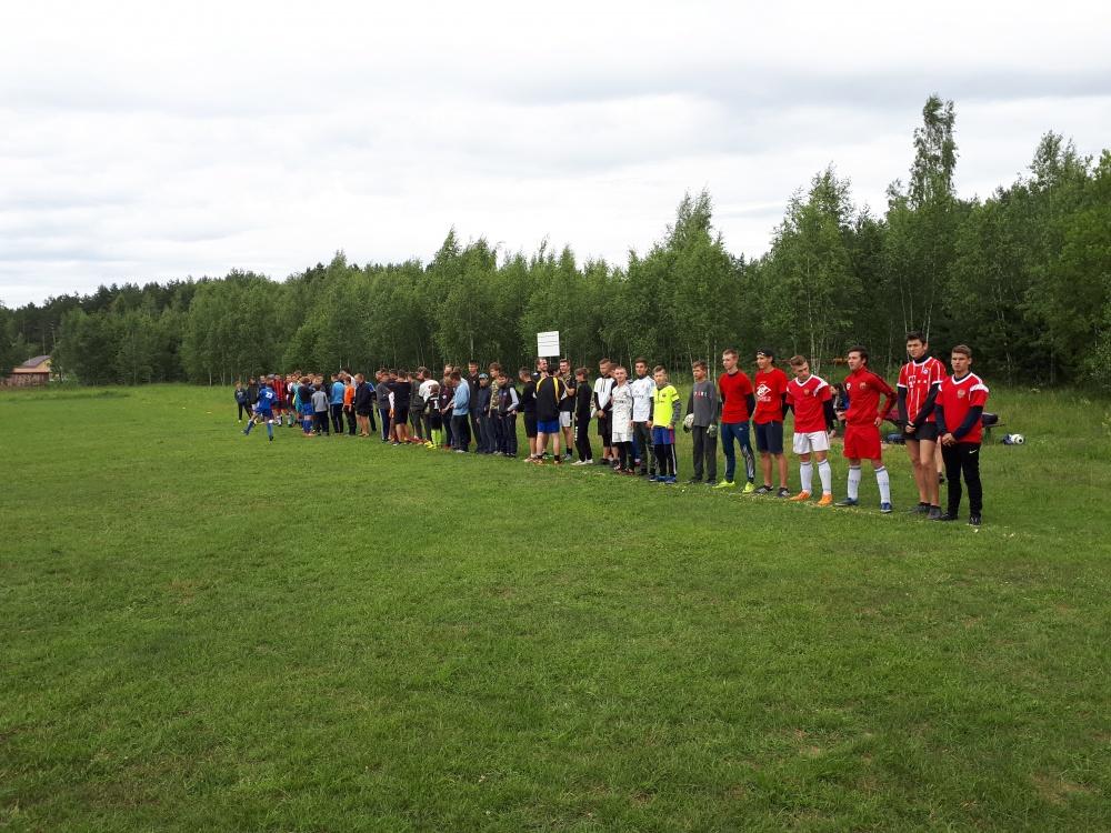 29 июня на стадионе Дворца Спорта п. Товарково прошел футбольный матч среди муниципальных образований Дзержинского района