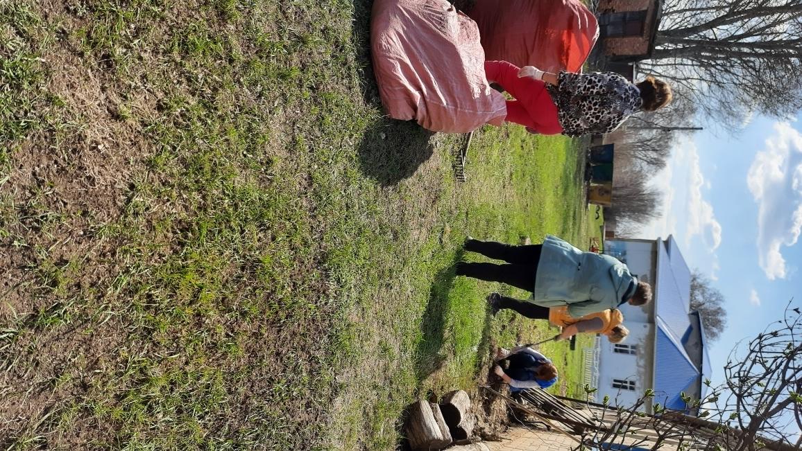 Проведение субботников в рамках месячника по благоустройству и санитарной очистке территорий