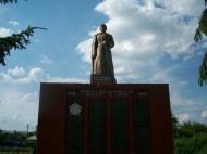 """Обустройство """"Аллеи памяти"""" в парке села Медвежье"""
