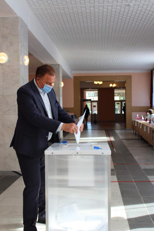 17 сентября в Верхнемамонском районе в 08.00 открылись все 19  избирательных участков для голосования