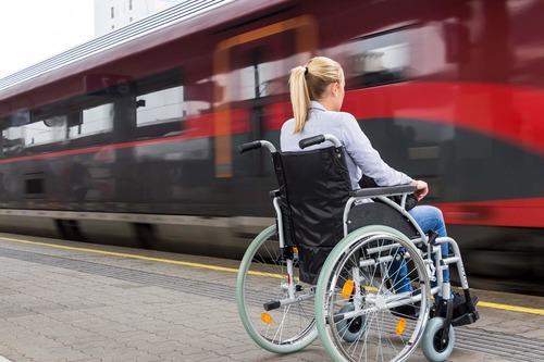 Покупка льготных билетов онлайн на поезда дальнего следования теперь доступна и инвалидам.