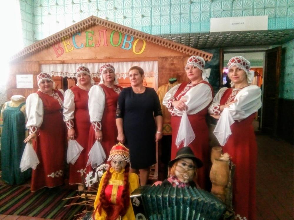 На базе Новочигольского СДК состоялся первый зональный районный смотр – конкурс вокально-хоровых коллективов и исполнителей народной песни «Поет село родное».