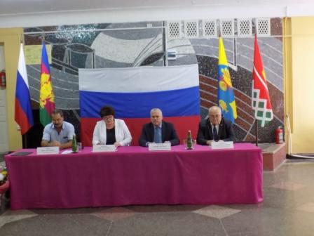 26 сентября 2019 года состоялась торжественная 1 сессия нового четвертого созыва депутатов Совета Новониколаевского сельского поселения.