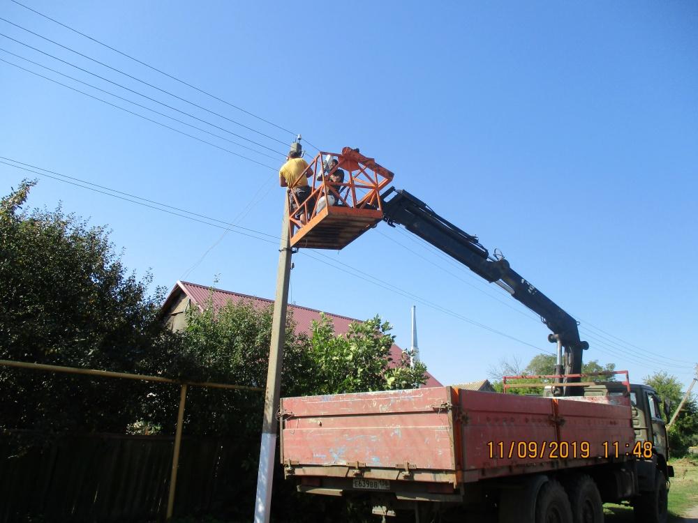 В сентябре на территории поселения   выполнена работа по модернизации систем уличного освещения. Все улицы поселения освещаются  в темное время суток 134-мя светодиодными энергосберегающими светильниками