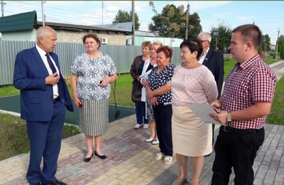 Председатель Законодательного Собрания Калужской области В.С.Бабурин встретился с депутатами поселкового Совета