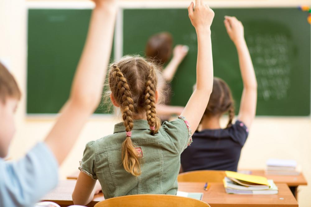 Почти 300 тысяч детей в Волгоградской области  получат единовременную выплату к новому учебному году