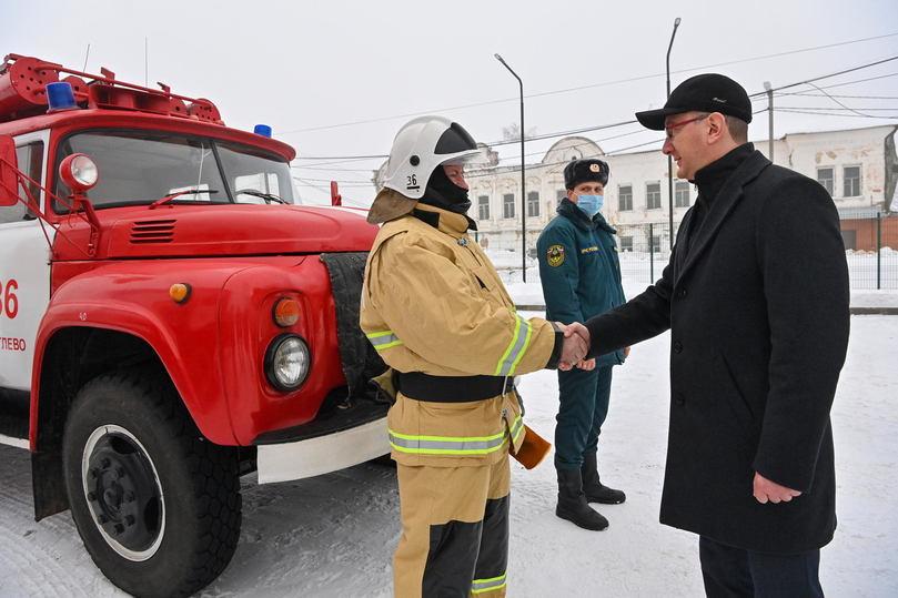 Губернатор Калужской области посетил пожарную часть в поселке Мятлево