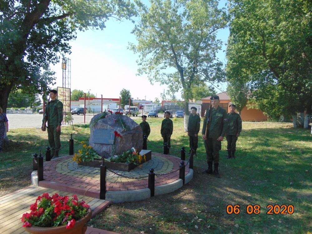 Сегодня 06.08.2020 года по всей стране вспоминают героический подвиг наших земляков 13 роты Землянского полка ровно 105 лет назад русские солдаты отстояли Осовец.