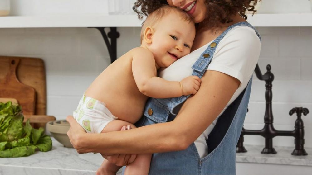 Дополнительная поддержка: молодые мамы Волгоградской области получают региональные пособия