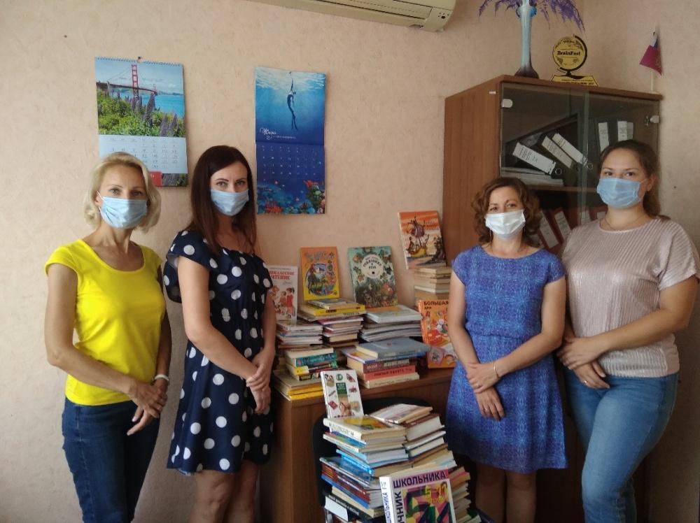 Молодежный совет Вологодского Росреестра участвует в акции  «Подарим книги библиотеке»