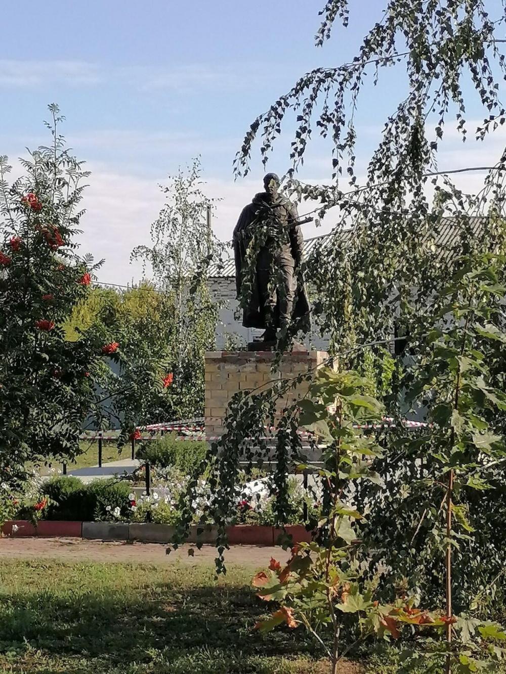 Реконструкция памятника и благоустройство территории