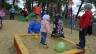 Активисты нижнедевицкого поселка Курбатово благоустроили детскую площадку
