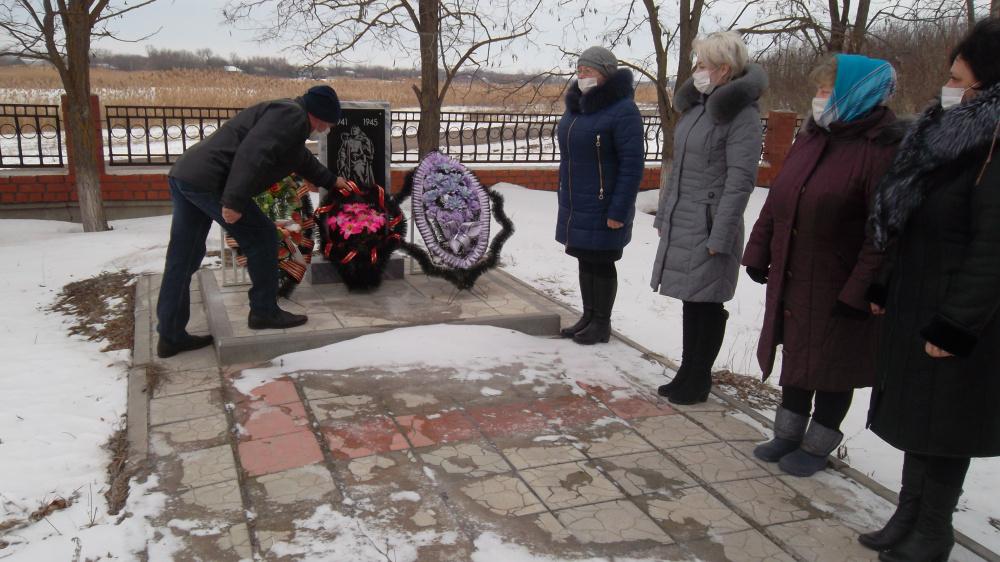 23 февраля 2021 возложение венков к памятному знаку воинам Великой Отечественной войны
