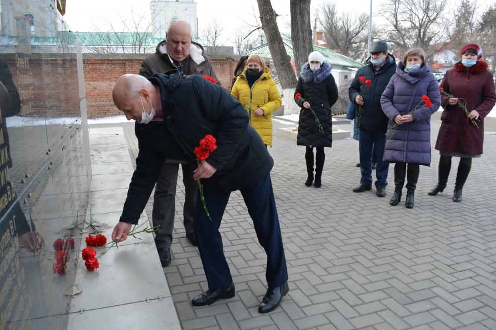 """Приняли участие в акции """"Защитим память героев"""""""