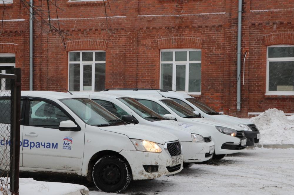 Первая бригада автоволонтеров Самары заступила на дежурство вместе с врачами городских поликлиник