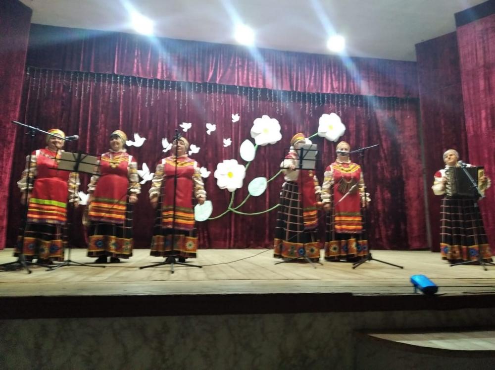 Праздничный концерт ко Деню России в Старотишанском СДК