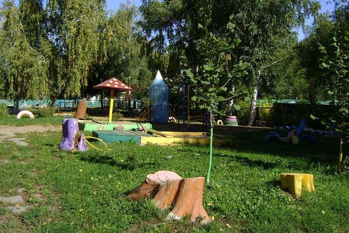 Территория детского сада,игровая зона 08.09.2016г.