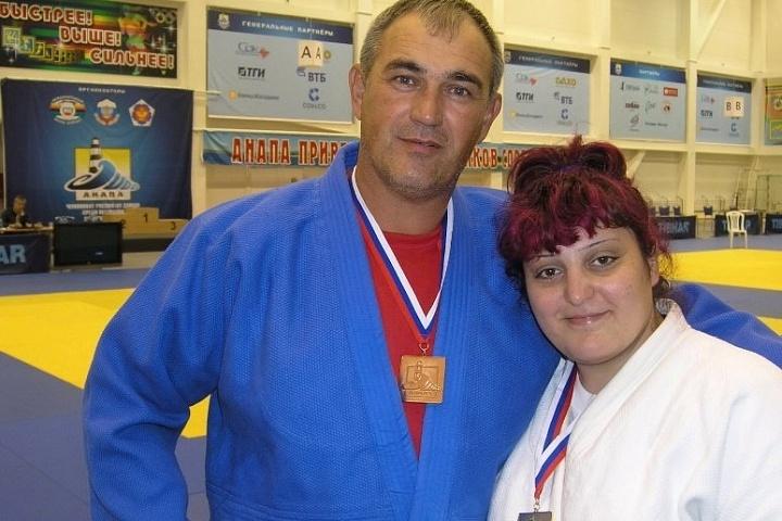 Тренера по борьбе дзюдо и самбо