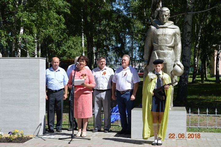 Ремонт мемориала в Дмитриевке