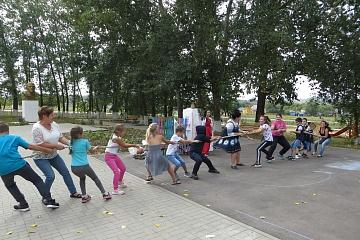 14 сентября в Мамоновском ЦК прошел праздник, посвященный дню народных игр  «Забавы у русской печки».