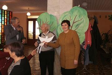 29 сентября в центральной библиотеке районного Дома культуры прошло заседание клуба «Надежда», посвященное Дню пожилого человека.