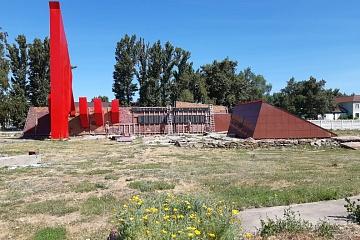 Ремонт памятника войнам, погибшим в годы Великой Отечественной войны